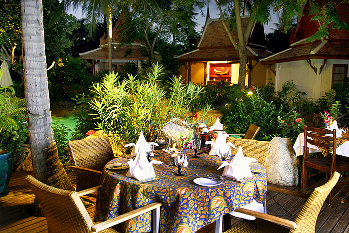Poppies samui hotel cottages in chaweng koh samui thailand for Table 99 koh samui